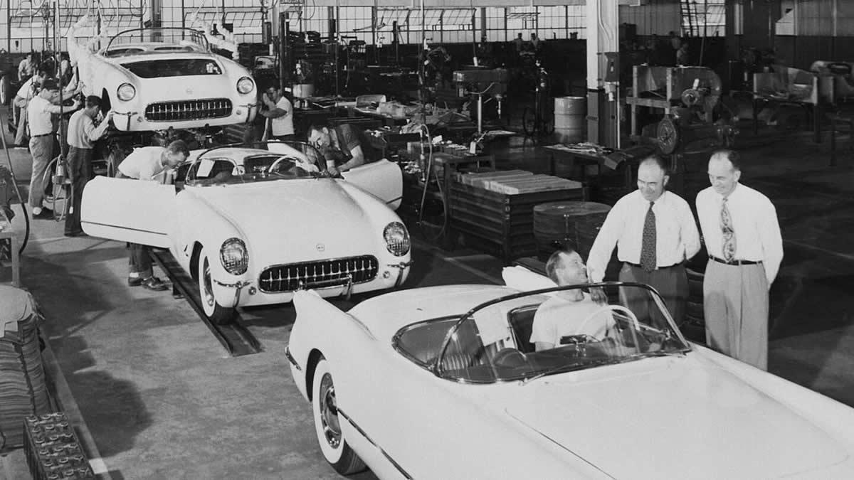 1953-corvette-production-line-2.jpg