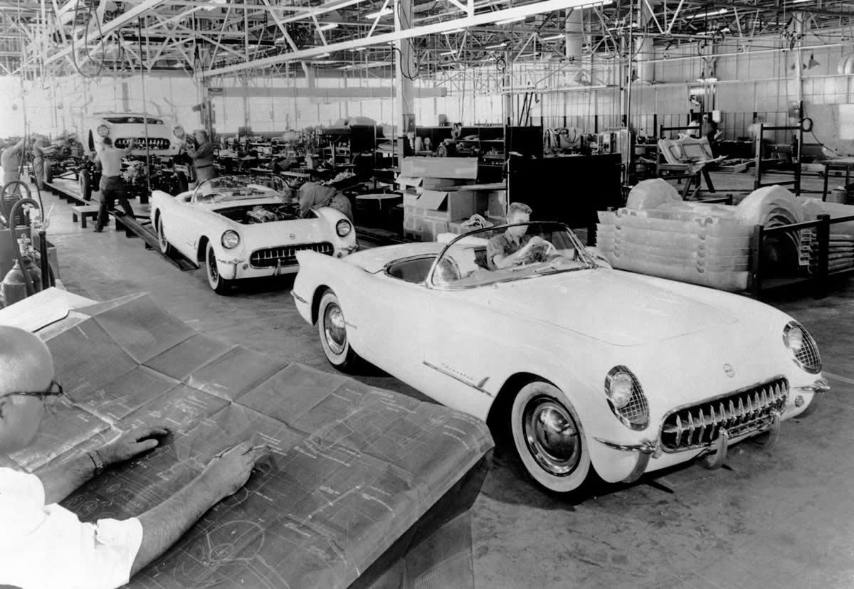 1953-Corvette-production-line.jpg