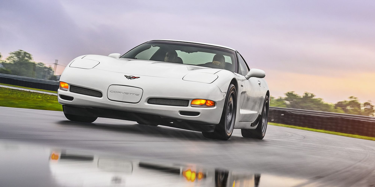 2000-corvette.jpg