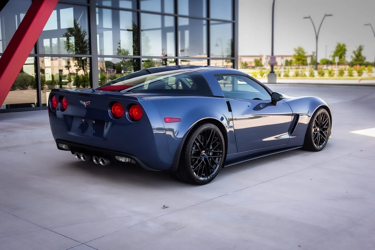 2011-corvette-z06-carbon-limited-edition-number-85-3.jpg