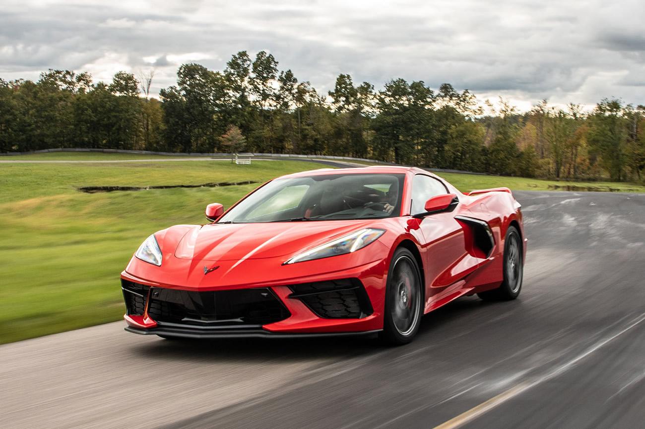 2020-corvette-on-track.jpg