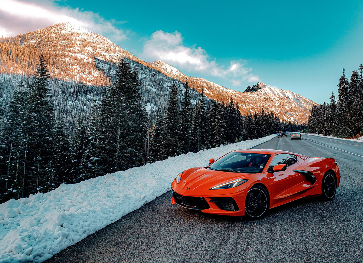 2020-corvette-winter-scene.jpg