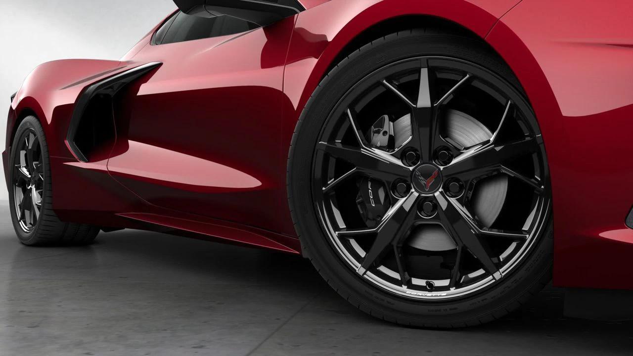 2021-corvette-black-trident-wheels.jpg