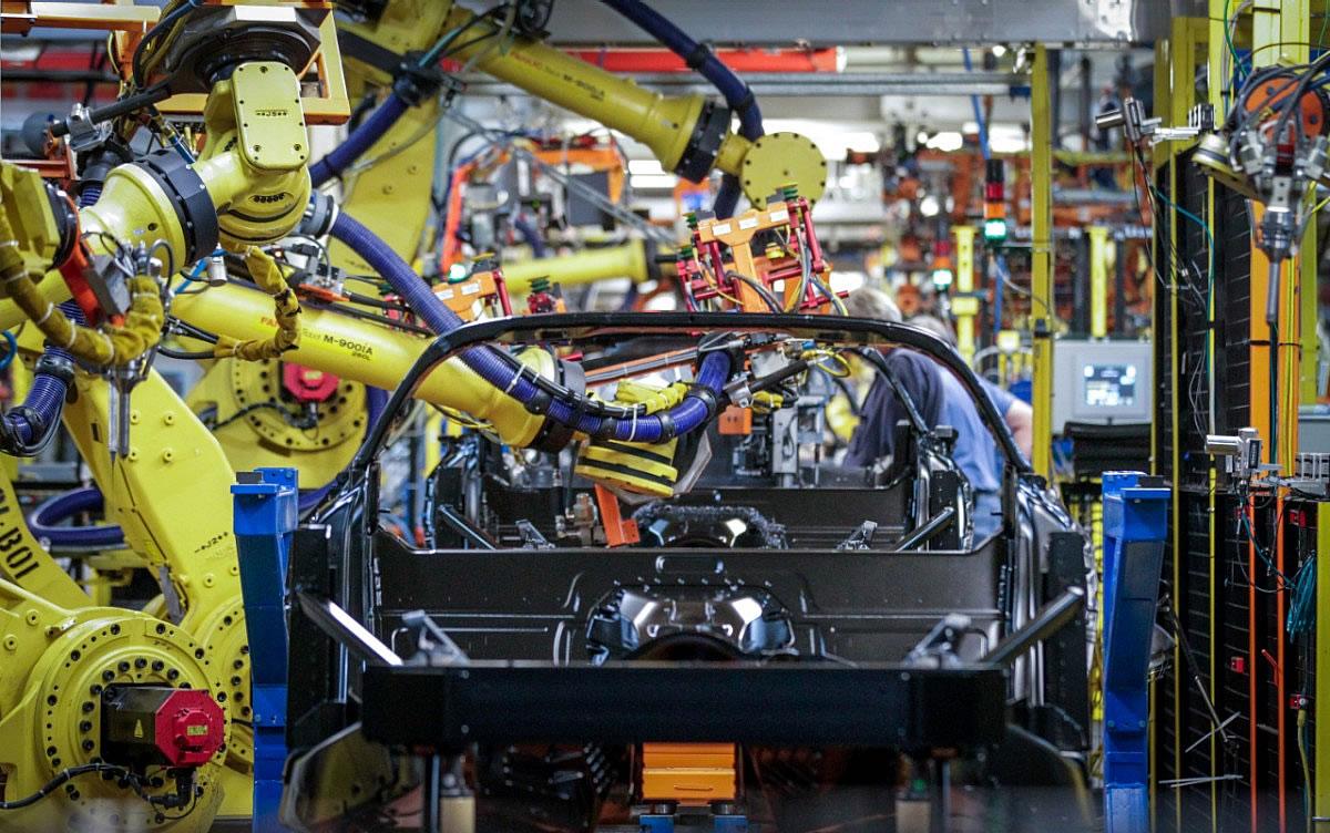 2022-corvette-production.jpg