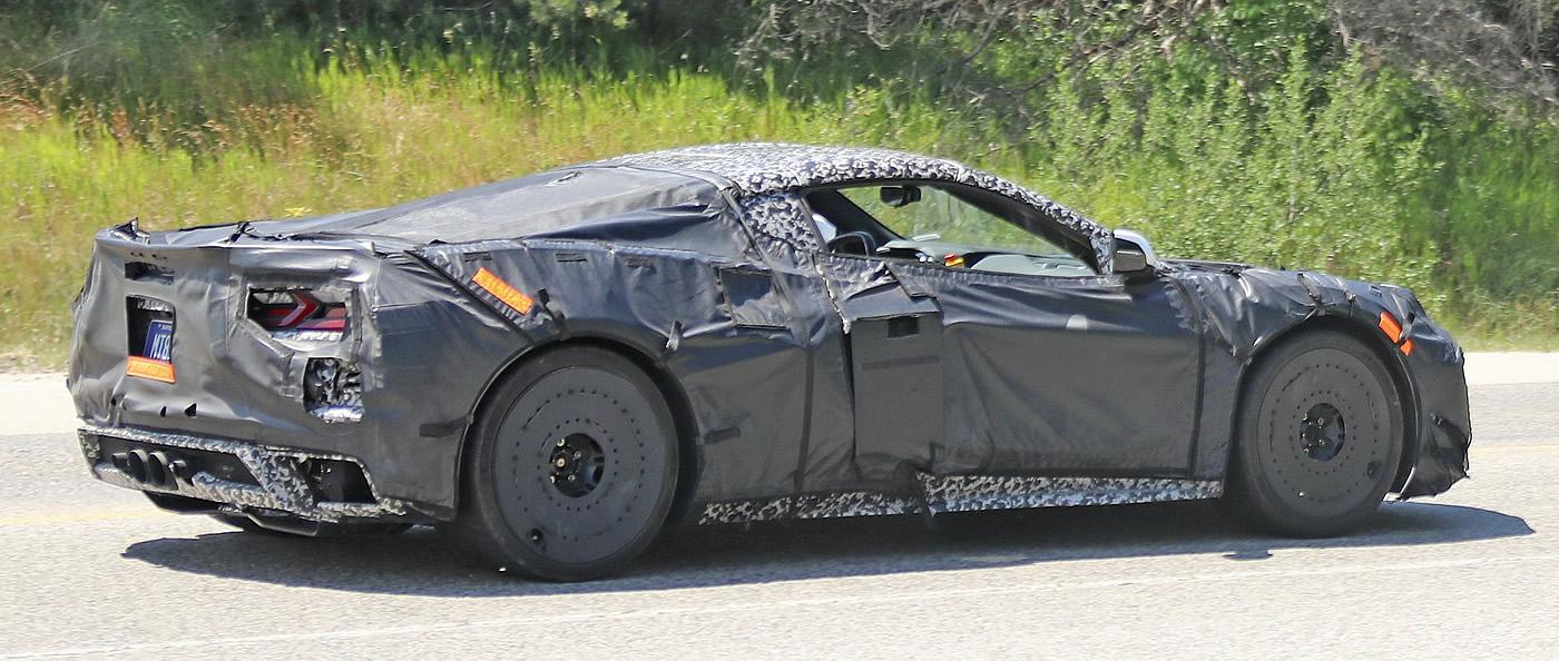 2022-corvette-z06-1.jpg