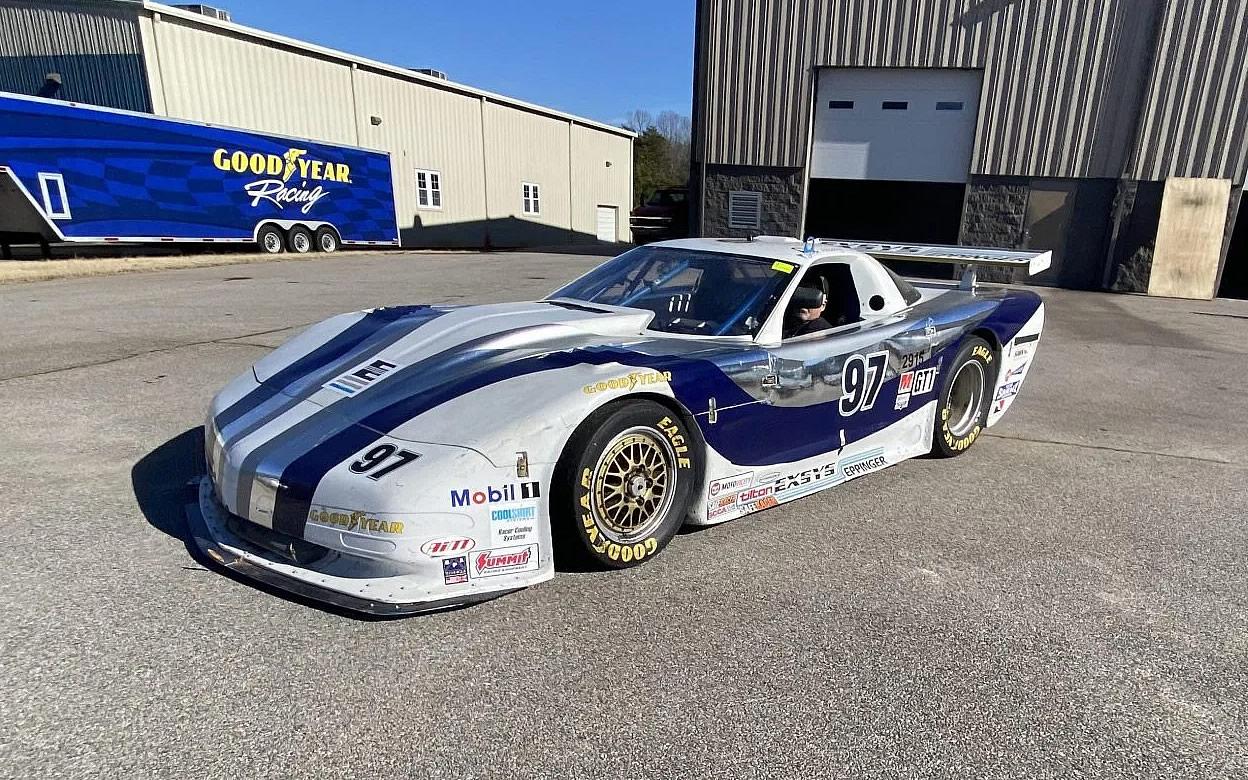 c5-corvette-scca-gt1-race-car-1.jpg