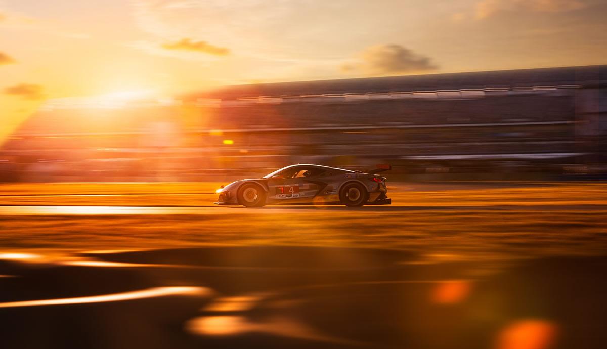 corvette-c8.r-number-4-sunset.jpg