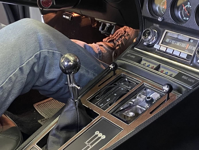 tom-wibberly-1971-corvette-lt-1-gear-shift-knob.jpg